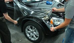 Антигравийная защита кузова автомобиля прозрачной пленкой