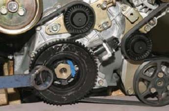 Снятие распределительного вала и рычагов привода клапанов Chevrolet Niva