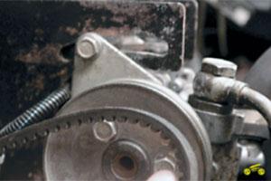 Замена башмака натяжителя цепи, нижнее расположение генератора Chevrolet Niva
