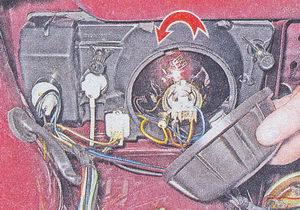 замена ламп в блок фаре автомобиля ваз 2107