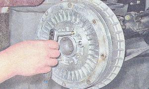 замена тормозных колодок тормозных механизмов задних колес на автомобиле ваз 2107