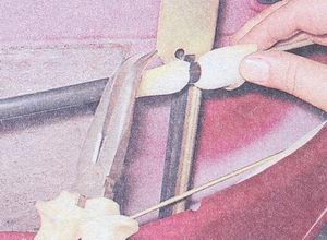 снятие и установка замка и наружной ручки задней двери на автомобиле ваз 2107