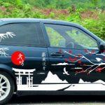 Рисунки и наклейки на борт автомобиля