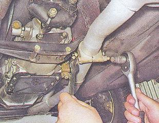приемная труба глушителя автомобиль ваз 2107 — снятие — установка