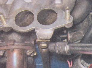 замена прокладки впускного коллектора трубопровода и выпускного коллектора на инжекторном двигателе автомобиля ваз 2107