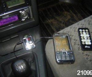 Ставим FM-модулятор в салон авто